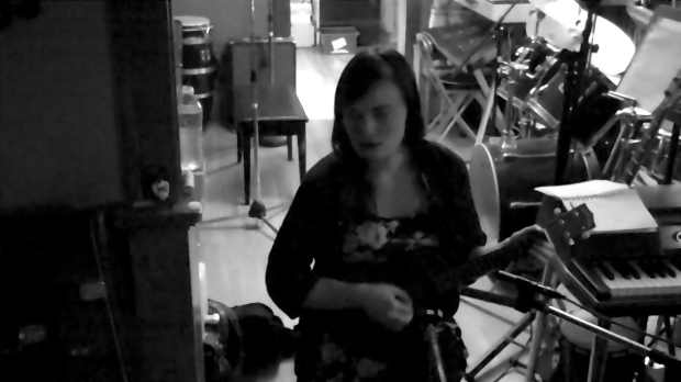 zara-uke-blurred